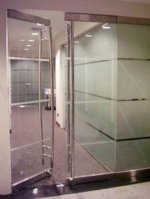 Construcci n de mamparas pizarras y puertas corredizas for Herrajes para mamparas de cristal